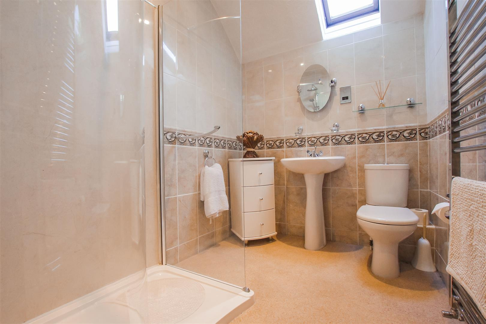 4 Bedroom Detached House For Sale - Image 14